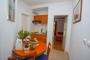 Apartments Ankora, Apartmány  Tučepi - big - 78