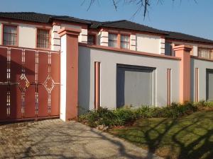 Moshitametsi Guesthouse, Affittacamere  Kempton Park - big - 1