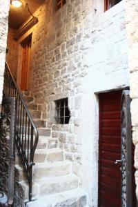 Villa Kudelik - Stone Story, Bed and breakfasts  Trogir - big - 45