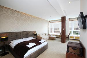 Panorama Suite with Terrace