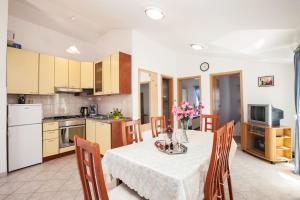 Villa Stana, Appartamenti  Vinišće - big - 41