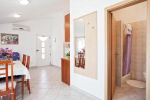 Villa Stana, Appartamenti  Vinišće - big - 26