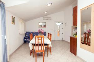 Villa Stana, Appartamenti  Vinišće - big - 24