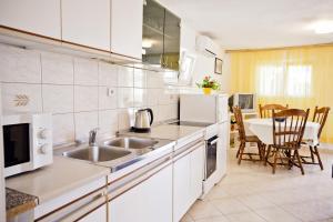 Villa Stana, Appartamenti  Vinišće - big - 20