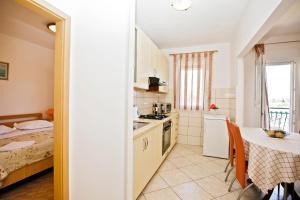 Villa Stana, Appartamenti  Vinišće - big - 16