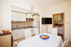 Villa Stana, Appartamenti  Vinišće - big - 8