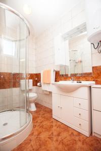 Villa Stana, Appartamenti  Vinišće - big - 6