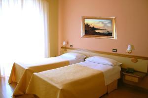 Hotel Ristorante Donato, Hotel  Calvizzano - big - 32