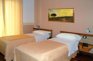 Hotel Ristorante Donato, Hotel  Calvizzano - big - 21