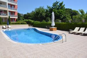 Iris Apartments, Ferienwohnungen  St. St. Constantine and Helena - big - 25