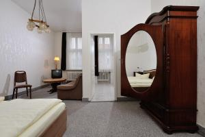 Hotelpension Margrit, Guest houses  Berlin - big - 5