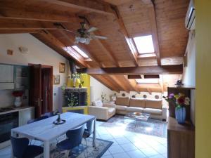 Residenza Tony 11, Apartments  Verona - big - 1