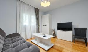 Apartments Villa FourTuna, Апартаменты  Бар - big - 4