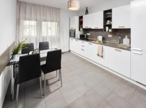 Apartments Villa FourTuna, Апартаменты  Бар - big - 27