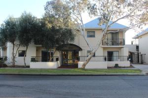 South Beach Apartments II