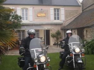 Chambres et Tables d'hôtes à l'Auberge Touristique, Bed & Breakfast  Meuvaines - big - 42