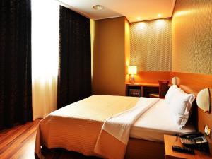 Hotel Austria, Hotel  Tirana - big - 3