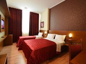 Hotel Austria, Hotel  Tirana - big - 12