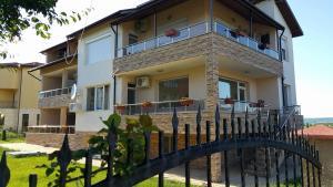 Guest House Amira, Гостевые дома  Кранево - big - 22