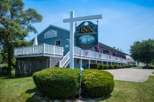 Inn Between the Beaches and Villager