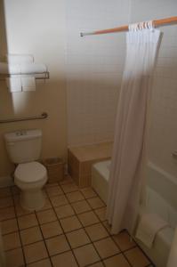 Western Inn Lakewood, Motels  Lakewood - big - 14