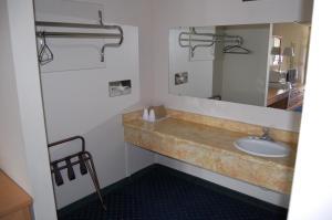 Western Inn Lakewood, Motels  Lakewood - big - 12
