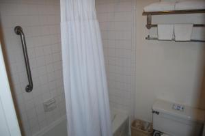Western Inn Lakewood, Motels  Lakewood - big - 27