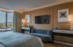 Habitación Premier con cama extragrande y vistas
