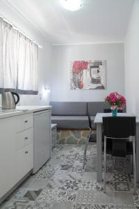 Byron Apartments, Apartmanok  Tingáki - big - 64