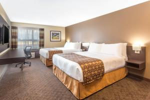 Microtel Inn & Suites by Wyndham Whitecourt, Отели  Whitecourt - big - 10