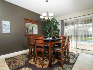 Villa 1408 WexfoRoad Champions Gate, Vily  Davenport - big - 2