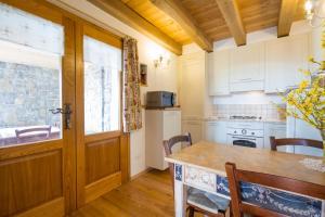 Casa Ursic, Case vacanze  Grimacco - big - 13