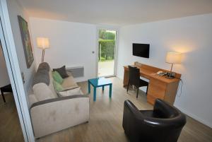 Hotel Le Relais des Champs, Hotels  Eugénie-les-Bains - big - 7