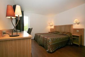 Hotel Le Relais des Champs, Hotels  Eugénie-les-Bains - big - 8