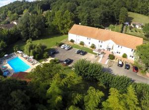 Hotel Le Relais des Champs, Отели  Eugénie-les-Bains - big - 38