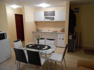 Apartment Mladenovic, Apartmány  Zlatibor - big - 8