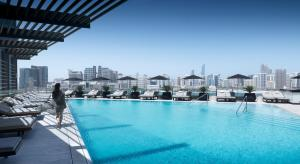 Four Seasons Hotel Abu Dhabi a..