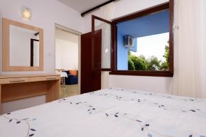 Apartments Medena, Ferienwohnungen  Trogir - big - 8