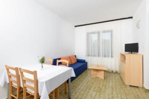 Apartments Medena, Ferienwohnungen  Trogir - big - 45