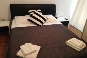 Guest House Adria, Bed and Breakfasts  Primošten - big - 6