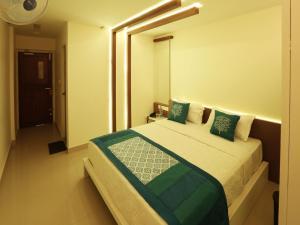 OYO 4491 George's The Royal Suite Residency, Hotel  Sultan Bathery - big - 1