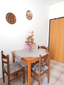 Apartments Fumić, Ferienwohnungen  Mandre - big - 33
