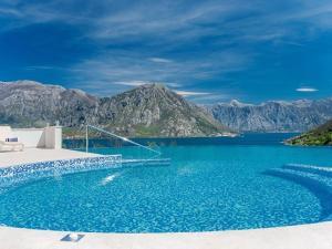 Спа-отели Черногории с бассейном