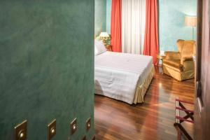 Deluxe Double Room with Spa Bath and Spa Access - Tower