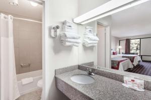 Ramada Limited - Clarksville, Hotel  Clarksville - big - 10
