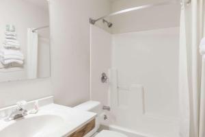 Auburn Inn, Hotels  Auburn - big - 17