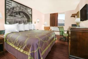 Super 8 by Wyndham San Antonio/I-35 North, Hotely  San Antonio - big - 5