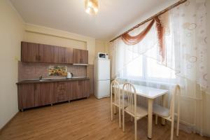 Apartment KvartiroV Vzlyotka, Ferienwohnungen  Krasnoyarsk - big - 29