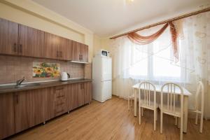 Apartment KvartiroV Vzlyotka, Ferienwohnungen  Krasnoyarsk - big - 18