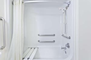 Deluxe Double Room with Two Double Beds - Disability Access - Non-Smoking
